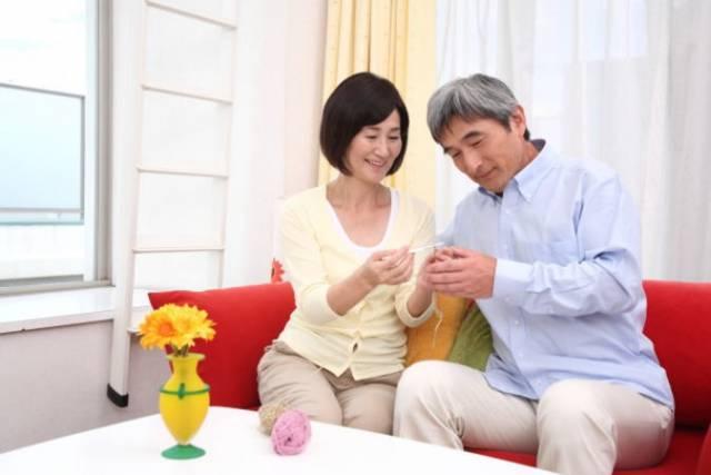 シニアや中高年の結婚相談所「トモカイ」は60歳以上の登録者が多い